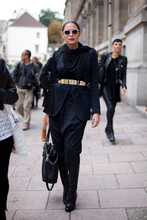 golden belt in black oufit