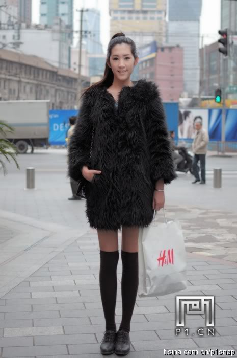 chinese street fashion for winter black coat