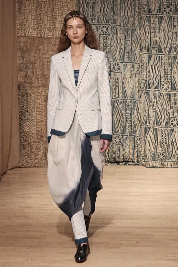 trendy pant suit