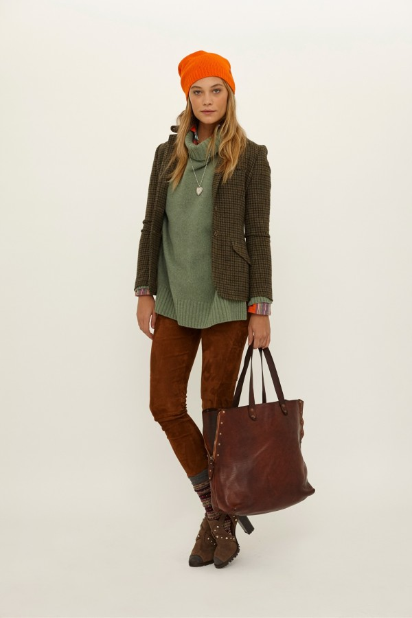 casual outfit with green turtleneck sweaters