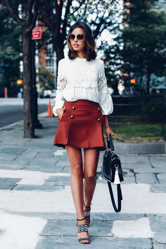 women's fall outfit with skirt