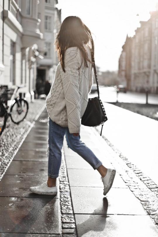 casual knitwear look for winter