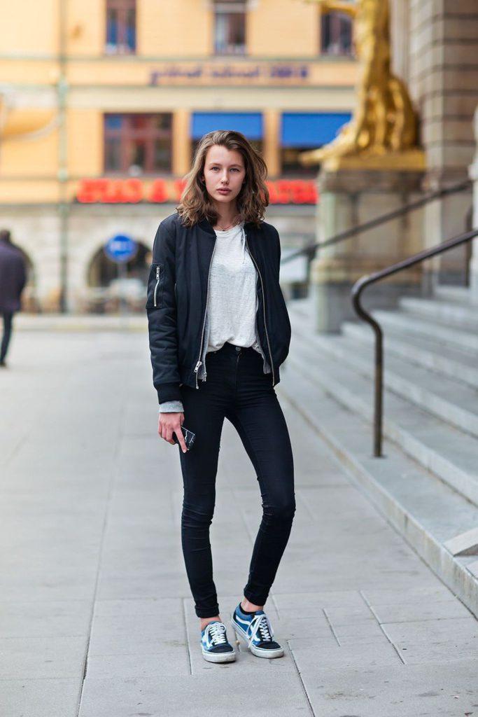 women's harrington jacket jeans and t shirt