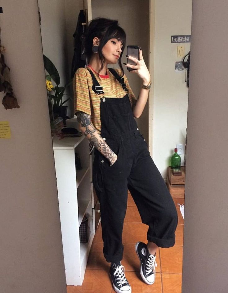 grunge outfit with long black dungaree t shirt and converse