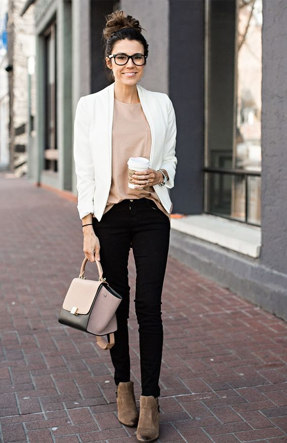 women's casual work outfit with pastel colors