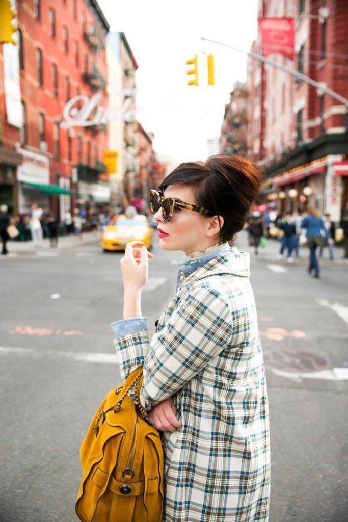 trendy street looks for women 60's retro style