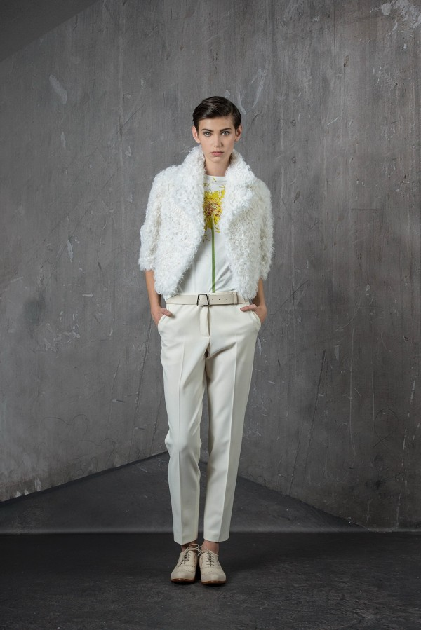women's white outfit for winter