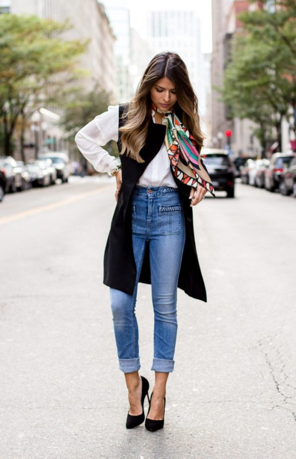 women's bell bottom jeans look for fall