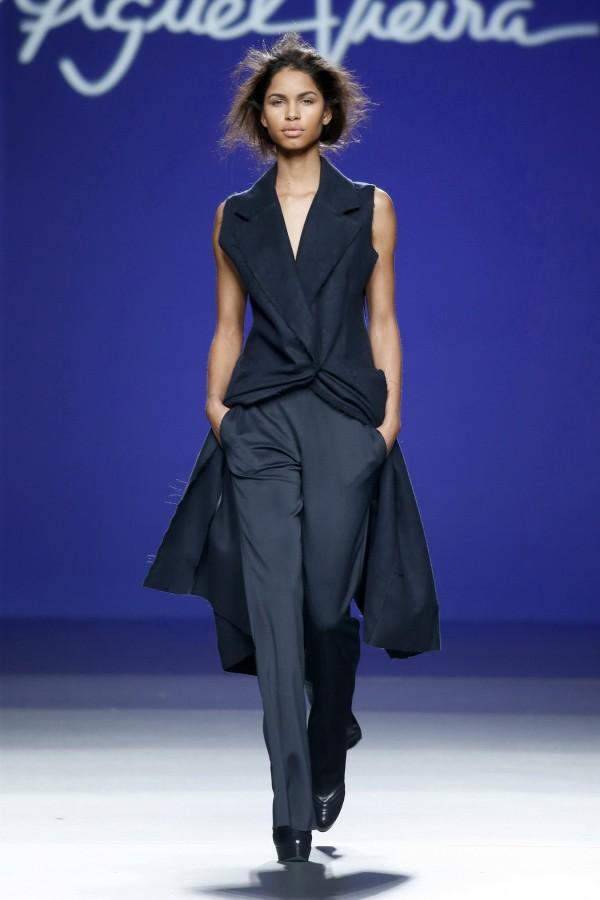 women's long blue sleeveless coats for work