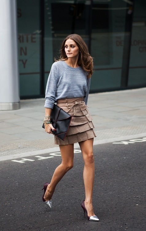 women's casual chic outfit with sweatshirts mini skirt and heels