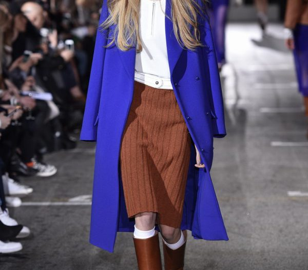 how to wear a blue coat this winter