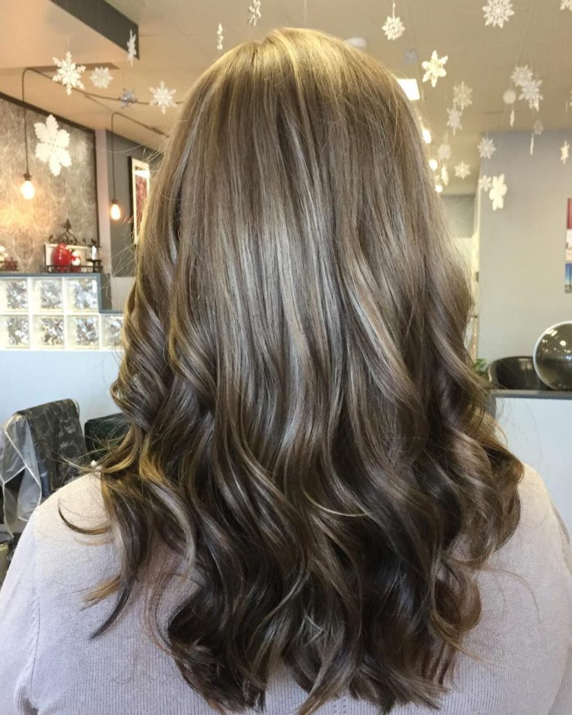 light reverse ombre hairstyle